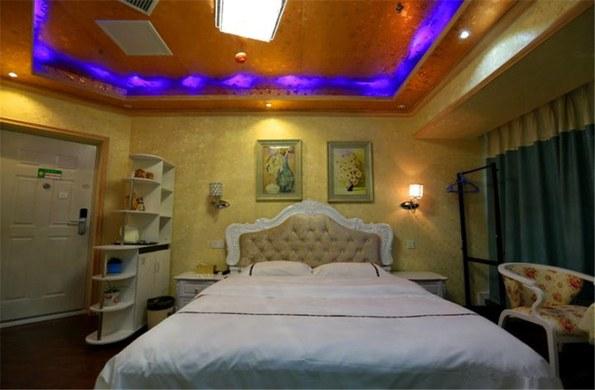 绵阳金色浪漫大床房